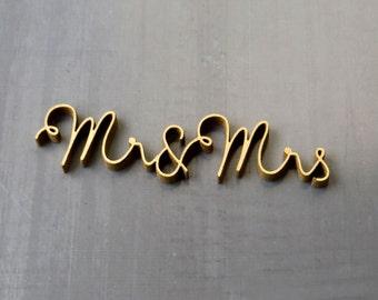 Mr & Mrs - 3D - wood lettering