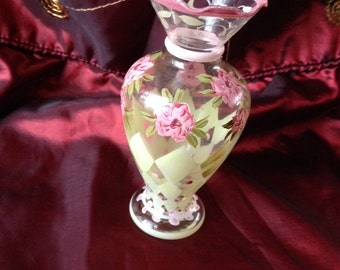 """Tracy Porter Hand Painted 6 1/2""""Ruffled Rimmed Vase"""