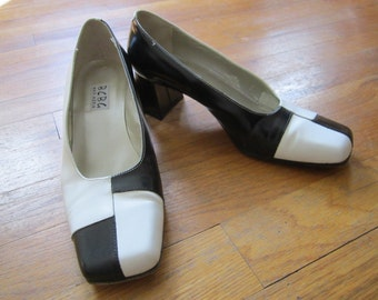 80's Black and White Color Block Pumps Heels Shoes size 6 B made in Italy Max Azria