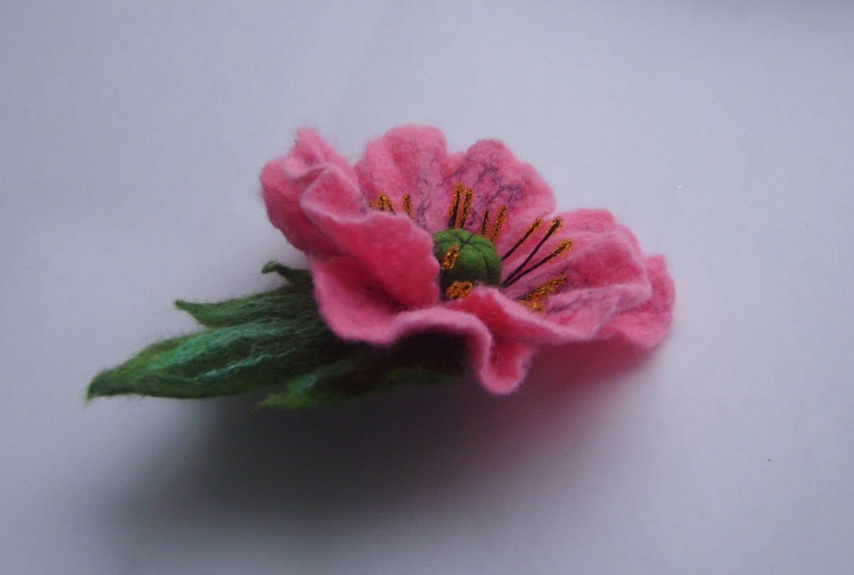 how to make a felt poppy pin