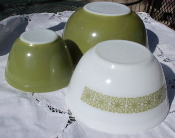 Pyrex Verde Square Flowers Mixing Bowls, 401 - 403