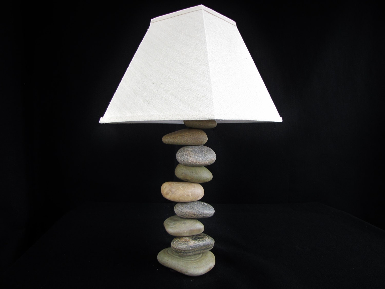Rock lamp with offset stones stacked balanced stone lamp for Off set floor lamp
