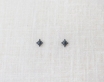 tiny twinkles studs 2. - black