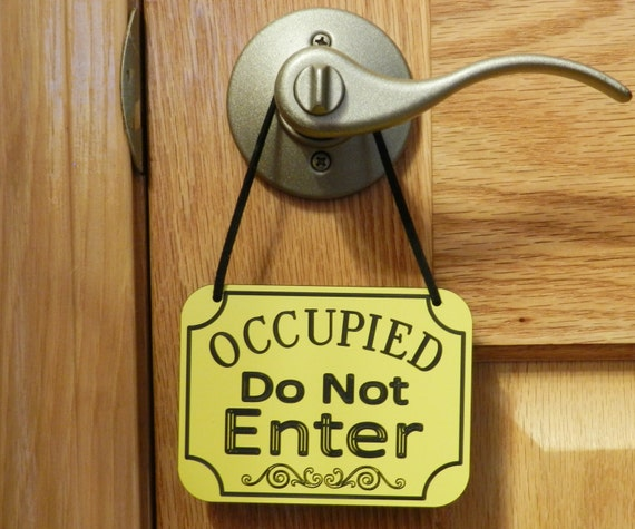 Occupied do not enter sign door knob sign door hanging sign for Bathroom occupied sign