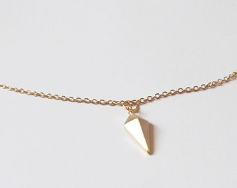 gold small arrowhead necklace, insignia necklace, arrow necklace,fantasy jewelry