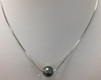Tahitian pearl with sterling silver box chain