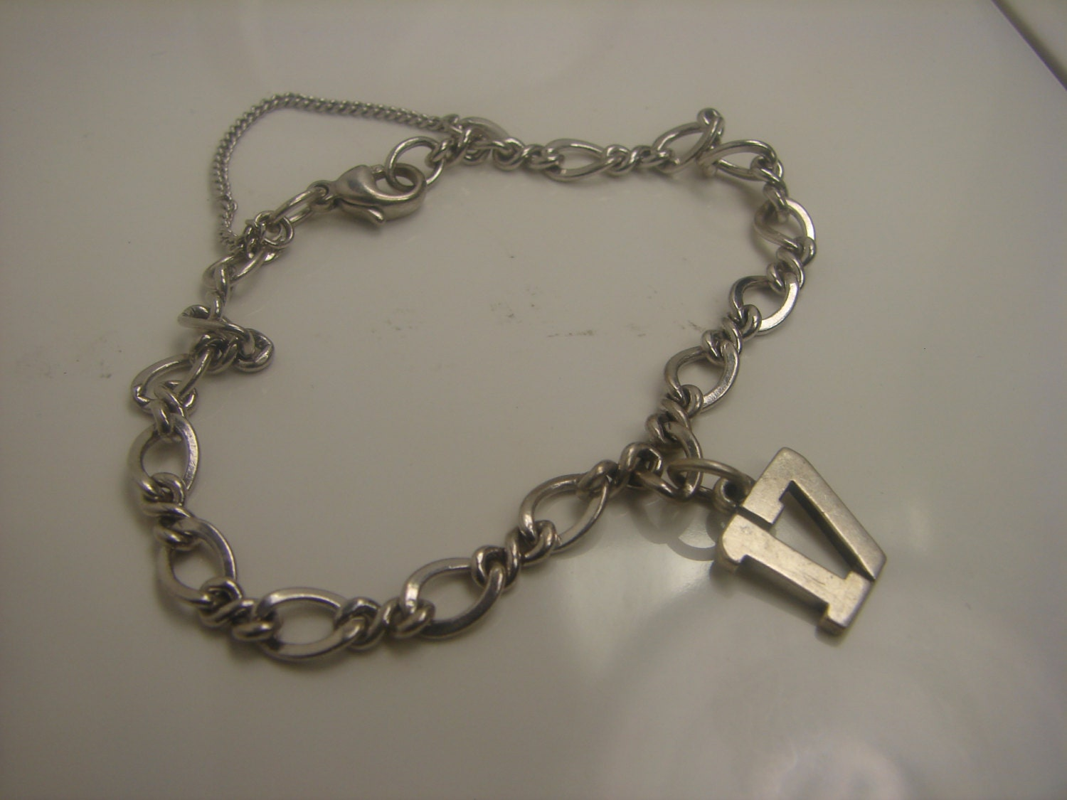 I just got it. Went to put a charm in and now the circle won't close up again. - Hi Brigid! We're sorry to hear this, please take it to your local James Avery store.