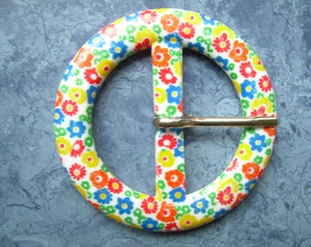 "SALE!! 1960's MOD Flowered plastic belt BUCKLE, never used. Typical bright flower ""pop"" print on white background."