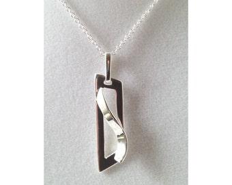 925 Sterling Silver Art Pendant