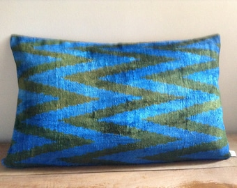Ikat pillow cover - noble cushions in velvety Ikat and traditional kutnu fabric
