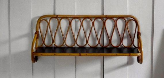 etag re murale vintage en rotin. Black Bedroom Furniture Sets. Home Design Ideas