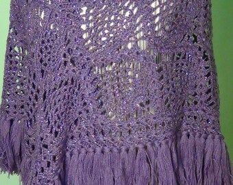 Triangular shawl crocheted pineapple stitch