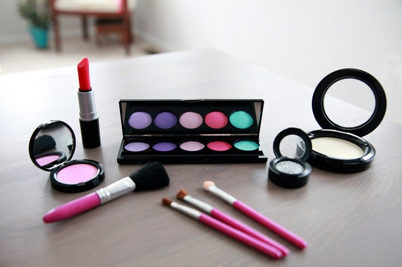 ... Play Makeup - Looks Real Makeup Set - Makeup Vanity Set - Pretend Play