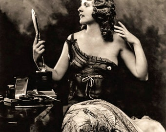 Alfred Cheney Johnston Photo, Ziegfeld Girl with mirror, 1920-30s