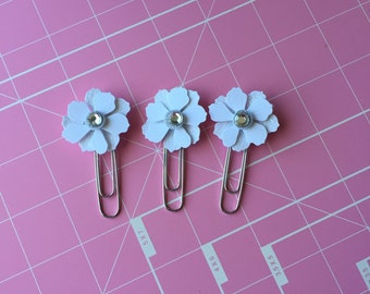 Pretty White Flower Paperclips