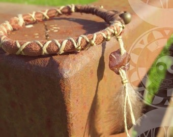 Contemplation - mother of Pearl flower bracelet