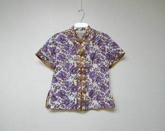 ORIENTAL BEAUTY . vintage blouse . fits a medium to large