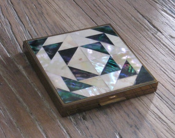 Zell Fifth Avenue Mother of Pearl Powder Compact