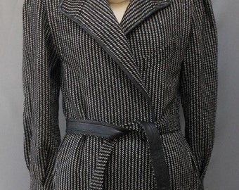 Vintage 80s Gucci Blazer Jacket - 1980s Italian Black White Herringbone Wool with Leather Trim and Original Belt, Size XS to S