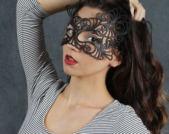 Rococo  lacy mask in black leather