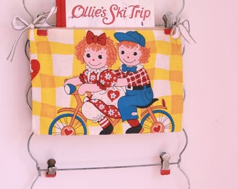 Vintage Raggedy Ann and Andy fabric pocket