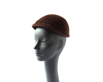 Vintage 1940s Hat / 40s Hat / Brown Velour Cap