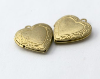 Vintage Tooled Floral Raw Brass Large Heart Lockets 23mm (2)