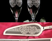 Irish Wedding Cake Server Champagne Flute Set, Wedding Table Settings with Celtic Heart Design