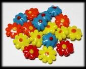 Reserviert für Kerri... 17 Stück Glas Blumen, Gänseblümchen, die Rot Orange gelb blau 20 mm Perlen Perlen Perle Handwerk Destash