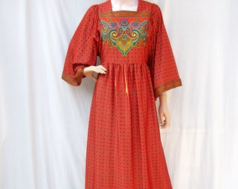 70s Orange Red Maxi Dress size Small to Medium Bell Sleeves Paisley