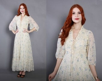 70s Ivory Corset Laced GUNNE SAX DRESS / 1970s Blue Floral Roses & Lace Full Skirt Maxi