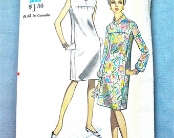 1960s Vogue 7090 Mod OnePiece Dress Sewing Pattern Semi-fitted straight dress standing collar  Bust 32 inches