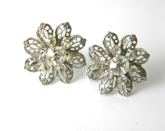 Screw back earrings, vintage silver filigree, floral design, seven clear crystals, wedding earrings, mid century, fantasy cocktail, estate