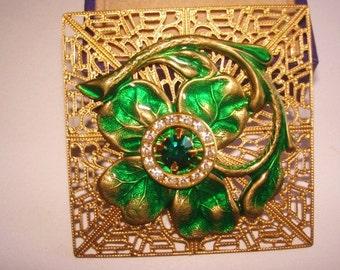 Green Shamrock l Vintage Jewelry  Rhinestone Brooch