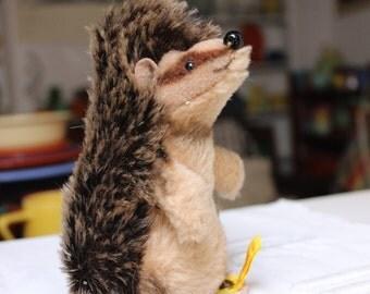 Steiff Joggi Hedgehog Begging Porcupine 1680/12 Vintage Germany VINTAGE by Plantdreaming