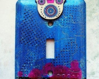 Blue and Pink Hamsa, light switch cover, mixed media on metal switch plate, Wooden Hamsa