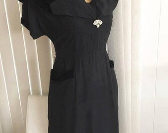 Vintage Black Petite Crepe and Velvet 1950s Dress by Forever Young