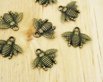 20 Antique Bronze Brass Bee Charms 15x20mm [MCHA2034]