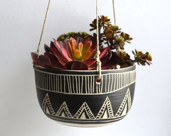 C L A S S I C   T R I B A L : ceramic hanging planter