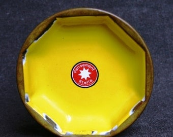 Vintage bright yellow Star advertising tray.