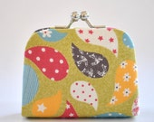 Colorful in Grass - Tiny Kiss lock Coin Purse/Jewelry holder