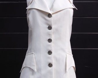 That 70s Collar - Vintage 70s cutaway fitted vest with extended collar and pocket tabs in cream