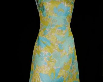 Adorable vintage 60's floral green white blue flower power mod Tiki summer couture A-line sleeveless mini dress by Sim Paris France - M / L