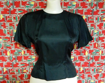 Elegant classic vintage 50's black 100% silk bombshell pin up glamorous short sleeves blouse shirt top back buttons by Mode De Paris - L
