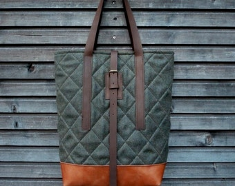 Wool tote bag with leather handles and oiled leather bottem UNISEX