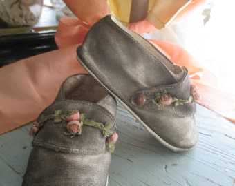 Antique Vintage 1920's Baby Toddler Shoes Silver Metallic Lame With Pink Rose Ribbonwork Ribbon Work