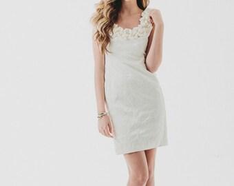 VTG White Floral Bamboo Brocade Ruffled Dress / Ruffled Shoulder's / Spring Fashion / Wedding dress / Mini Dress /