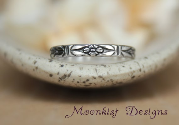 Delicate Art Deco Sterling Silver Forget-Me-Not Band - Geometric Floral Wedding Band - Stylized Floral Bridal Promise Band