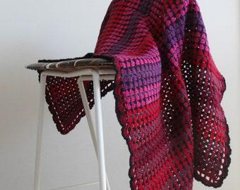 Modern CROCHET STROLLER BLANKET || Granny Stripes Blanket || Hand Crochet Baby Blanket || Baby Shower Gift || Red and Black Blanket