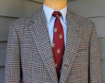 vintage 70's - 80's -Brooks Brothers- tweed sport coat. 3 / 2 roll - Sack cut. Shetland wool - colorful Glen plaid. 43 Long